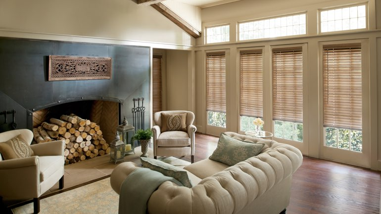 Cleveland living room with blinds