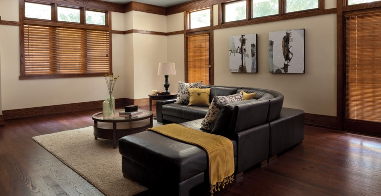 Cleveland hardwood floor and blinds