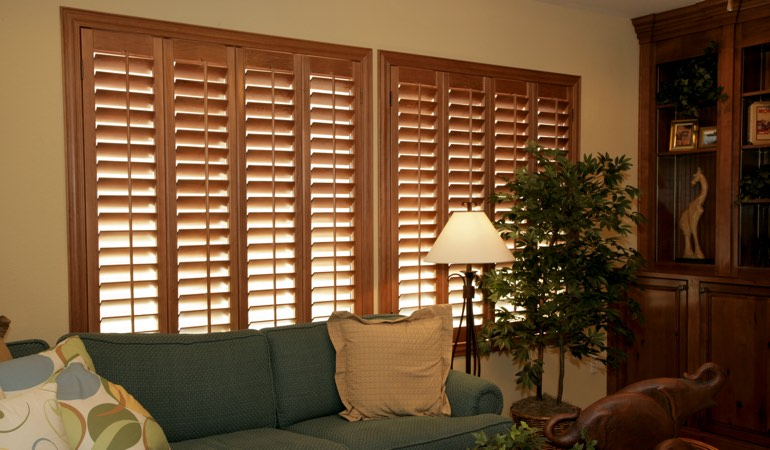 How To Clean Wood Shutters In Cleveland, Ohio