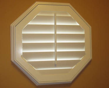Cleveland octagon window shutter